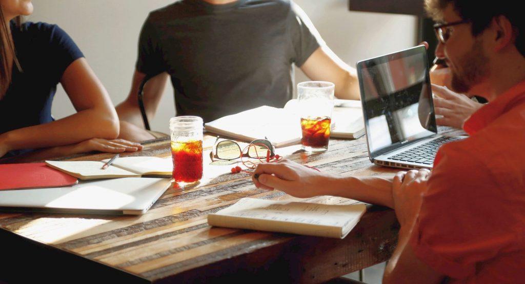 Waarom het zinvol is social media te gebruiken bij weinig budget